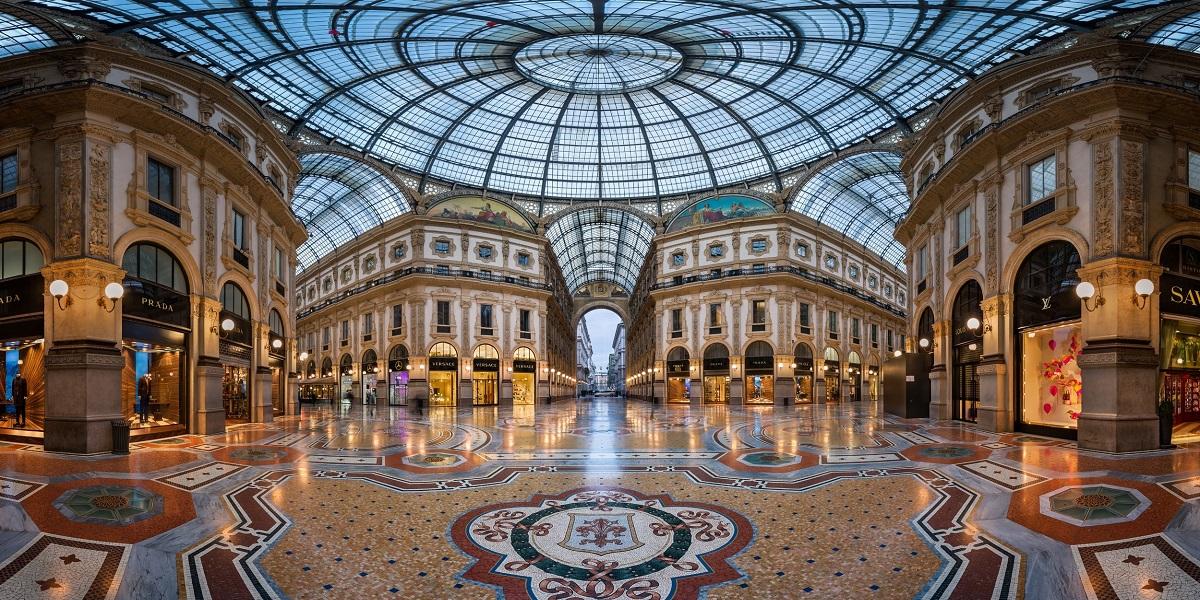 Добраться в Мадонна ди Кампильо из Милана. Такси эконом и бизнес класса.
